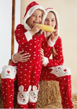 Детска мека пижама гащеризон с качулка и копчета 10023 на сърца