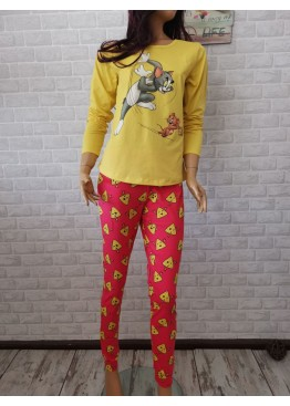 Дамска пижама с дълго долнище и дълъг ръкав Иватекс 3378 с Том и Джери в жълто