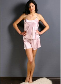 Сатенена пижама с къси панталони 6536